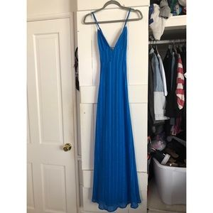 🔥 Gorgeous Lulus Gown BNWT